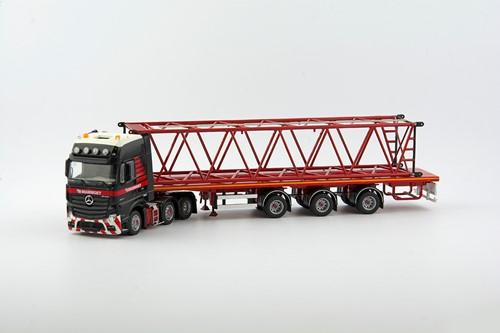 Mammoet MB Actros2 6x2 + 3 Axle Flatbed + Boom Kobelco